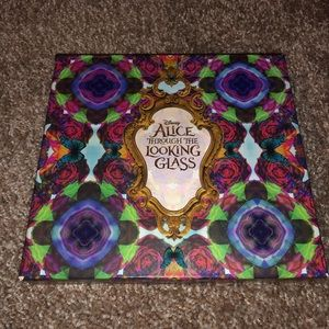 ⭐️ Alice Through the Looking Glass palette ⭐️